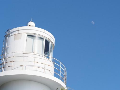 月と灯台.jpg