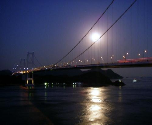 橋と月b.jpg